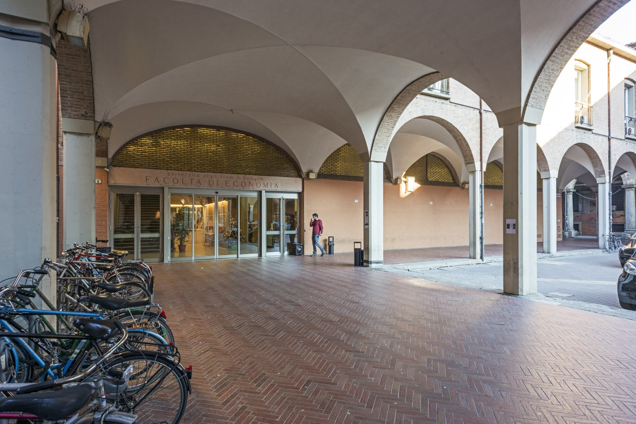 School of Economics and Management - piazza Scaravilli main entrance